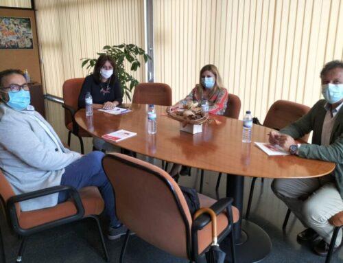 Encuentro de FEUSO con la delegada provincial de Educación en Huelva
